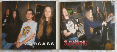 Carcass - (on left panel) Jeff Walker (v,b), Carlo Regads (g), Ken Owens (d), Bill Steer (g)