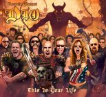 Scott Ian, front and centre, for no reason whatsoever
